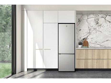 Tủ lạnh Electrolux Inverter 312 lít ETB3440K-A